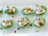 Basilikum-Mozzarella-Happen mit Tomaten Rezept