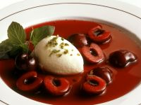 Bayerische Vanillecreme mit Sauerkirschkompott Rezept