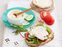 Belegtes Brot mit Pute, Tomate und Gurke Rezept