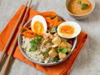 Bibimbap-Bowl mit Tofu und Ei Rezept