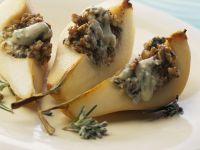 Birne mit Blauschimmelkäse-Nuss-Füllung Rezept