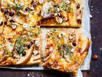 Birnen-Gorgonzola-Tarte mit Nüssen und Thymian Rezept