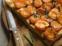 Blätterteigtarte mit Aprikosen Rezept
