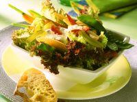 Blattsalat mit Gemüse Rezept