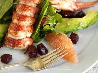 Blattsalat mit Hummer und Avocado