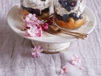 Blaubeer-Mascarpone-Trifel mit Schokolade