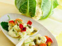 Blumenkohl-Tomatensalat mit Kapuzinerkresse Rezept