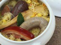 Blut- und Leberwurst mit Sauerkraut und Speck Rezept