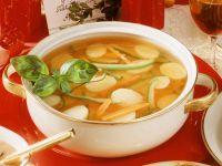 Bouillon mit Gemüseeinlage Rezept