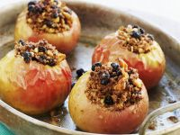 Bratäpfel mit Rosinen-Zimt-Füllung Rezept