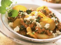 Bratkartoffelpfanne mit Hackfleisch und Feta Rezept