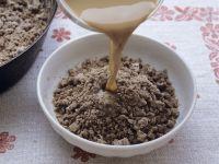 Brei aus Buchweizenmehl mit Kaffee Rezept