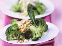 Brokkoli mit fruchtiger Sauce Rezept