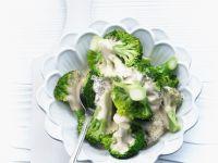 Brokkoliröschen in Käsesauce Rezept