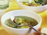 Brokkolisuppe mit Leinsamen Rezept