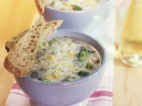 Brokkolisuppe mit Mais und Champignons Rezept