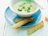 Brokkolisuppe mit Sesambrot Rezept
