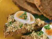 Brot mit Eiercreme Rezept