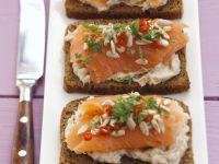 Brote mit geräuchertem Lachs Rezept