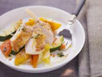 Brust vom Perlhuhn mit fruchtigem Gemüsesalat Rezept