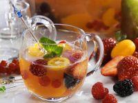 Bunte Frucht-Bowle