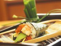 Bunte gefüllte Sushi-Tüten Rezept