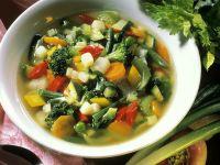 Bunte Gemüsesuppe mit Zuckerschoten Rezept