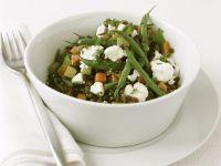 Bunter Gemüsesalat mit Grünen Bohnen Linsen und Schafskäse Rezept