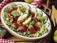 Bunter Salat mit Apfel Rezept