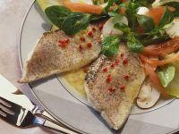 Bunter Salat mit Hecht Rezept