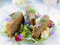 Bunter Salat mit Linsen-Schnitten Rezept