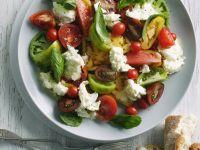 Bunter Tomatensalat mit Mozzarella Rezept