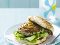 Burger mit Hähnchen und Sataysoße Rezept
