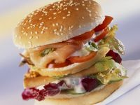 Burger mit Lachs und Roter-Bete Rezept