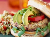 Burger mit Reisbratling und Avocado Rezept