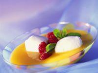 Buttermilchnocken in Prosecco-Aprikosensuppe Rezept