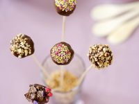 Cake-Pops mit Schokoladenguss