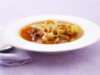 Calamarisuppe mit Kapern und Sellerie Rezept