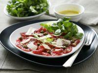 Carpaccio mit Kapern und Parmesan Rezept