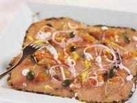 Carpaccio vom Lachs mit Kaviar und Kapern Rezept