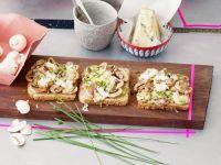 Champignon-Käse-Toasts