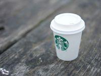 Starbucks führt Gebühr auf Einweg-Becher ein
