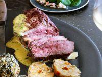 Charolais-Steakhüfte mit Sauce béarnaise und Kürbisknödel Rezept
