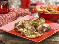 Chicken Wings süß-sauer mit Backkartoffeln Rezept