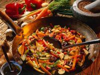 China-Gemüse mit süß-saurere Sauce Rezept