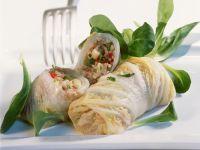 Chinakohlroulade mit Dinkel und Gemüse gefüllt Rezept