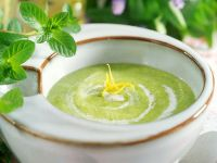 Chlodnik ogorkowo-mietowy (kalte Gurken-Minze-Suppe, Polen) Rezept