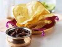 Chutney aus Tamarinde und Dattel dazu indisches Fladenbrot (Papadam) Rezept