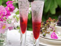 Cocktail mit Gin und Brombeeren Rezept
