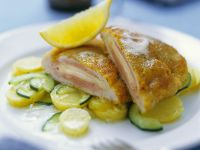 Cordon Bleu mit Salat Rezept
